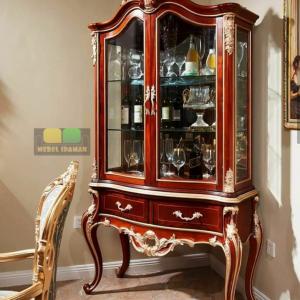 lemari hias motif ukir klasik