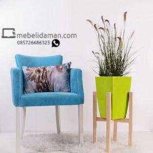 Design Kursi Sofa Retro Elegan