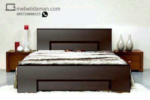Dipan Tempat Tidur Minimalis Warna Hitam