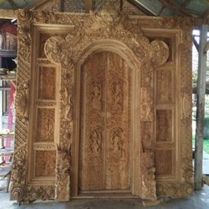 Pintu Rumah Ukir Gebyok Bali