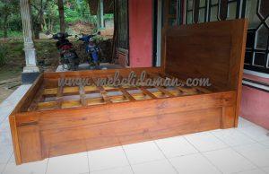 ranjang tempat tidur kayu jati